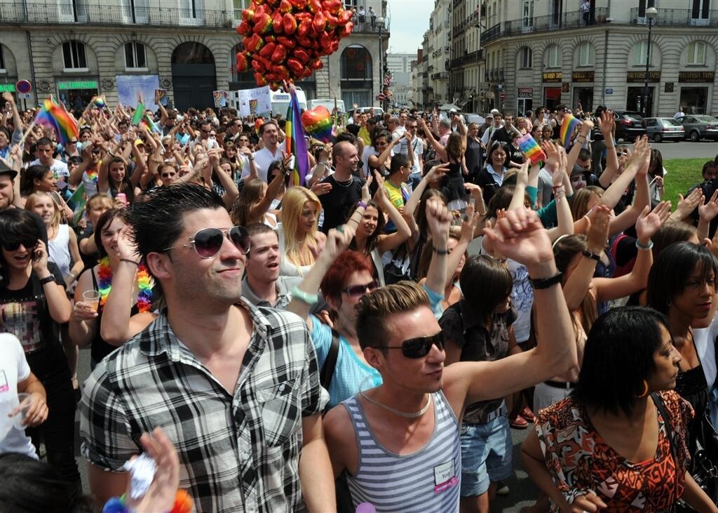 gay rencontre nantes à Valence