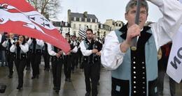 photo diaporama sorties bagad de vannes: les sonneurs de vannes accueillis en héros