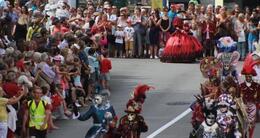 photo diaporama sorties fêtes historiques: vannes bat aux rythmes du moyen-age