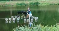 photo châteauneuf-du-faou. un concert, un piano... sur l'eau !