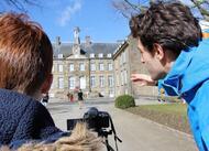 en images. silence, les jeunes tournent un clip au châteaude flers?!