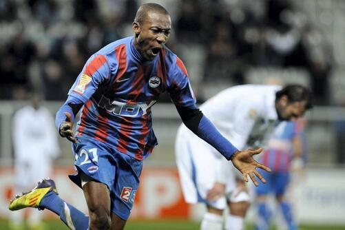 Mécontent de sa prestation à Brest où il n'a joué que 10 minutes, Anthony Deroin (32 ans) entend se montrer sous son meilleur jour à Auxerre. Il dit : « J'ai très très envie de montrer à Franck (Dumas) que je suis capable de revenir dans le groupe. »