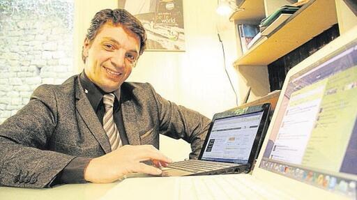 Sébastien Nau, chasseur de têtes au cabinet Ozvan, à Quimper, a investi la toile pour aider des patrons à recruter des perles rares.