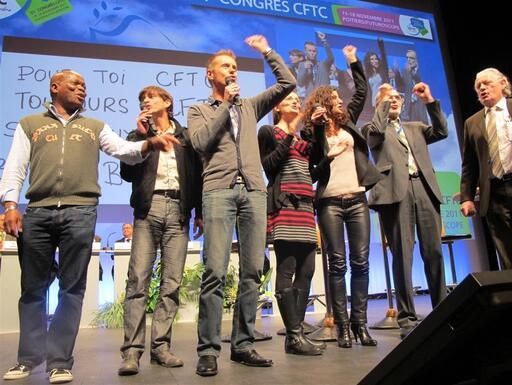 Les jeunes militants avaient enregistré un hymne à la gloire de la CFTC que la salle a repris en chœur hier après-midi.