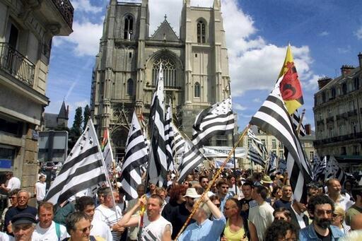 L'adoption par l'Assemblée nationale d'un amendement proposé par les députés Marc Le Fur et François de Rugy redonne espoir aux partisans de la réunification de la Bretagne. Archives