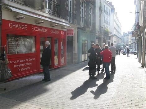 Nantes les braqueurs attaquent le bureau de change en plein jour