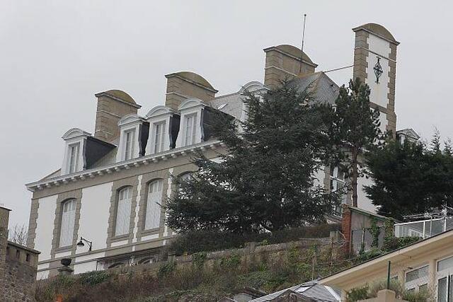 photo la villa castel mond, sur les hauteurs de la cale du bec-de-la-vallée. cette belle propriété a trouvé preneur pour environ 5millions d'euros. l'une des plus belles transactions l'an passé à dinard.