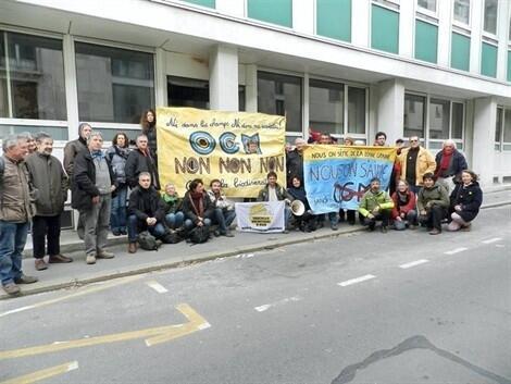 photo le collectif a été reçu pendant près de deux heures par le secrétaire général de la draaf, rue menou à nantes. © photo rc