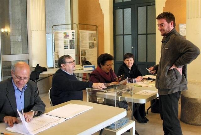 Les six bureaux de vote d ancenis sont ouverts jusqu à h