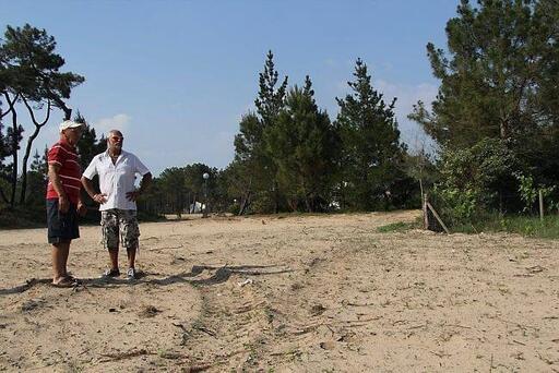 Toute végétation a disparu en bordure des propriétés de Léon Allano et de Jean-François Petit. Un terrain d'entente  DL;avec la préfecture a tardivement été trouvé.