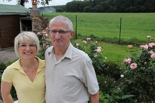 Georges Courtoux, 56 ans, sautera en parachute le 15 juillet, accompagné de sa voisine, Rachel Friteau.