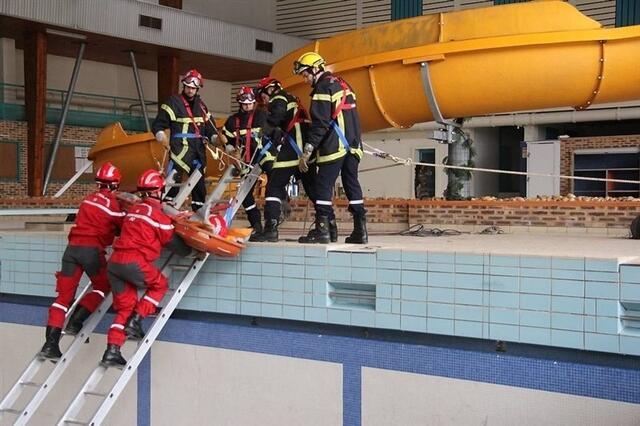 Les Pompiers Sauveteurs Deblayeurs Se Forment A Fougeres Fougeres