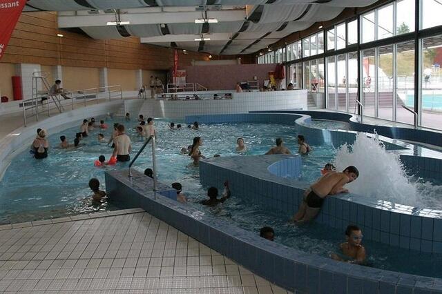 la piscine fermera dimanche et rouvrira le mercredi 16 janvier