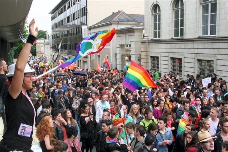 site gratuit de rencontre gay parade a Angers