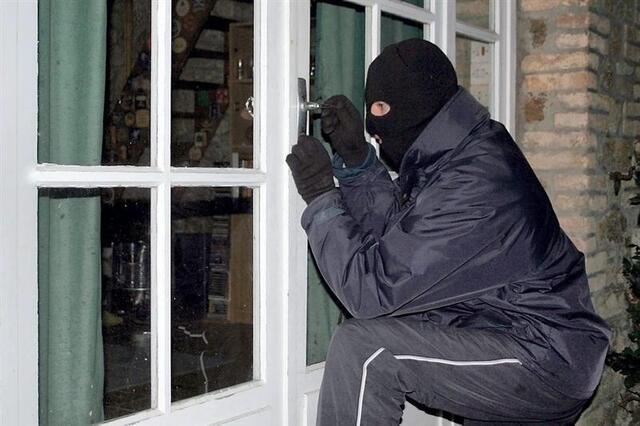 photo entre jeudi et hier, samedi, soir, les gendarmes ont dû intervenir sur une vingtaine de cambriolages commis dans des résidences principales à montfort-sur-meu. © jeanphilippe delisle - fotolia