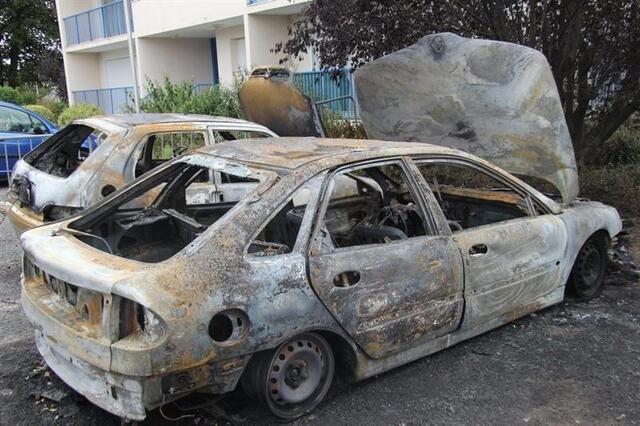 deux voitures brûlées dans un incendie d'origine accidentelle à
