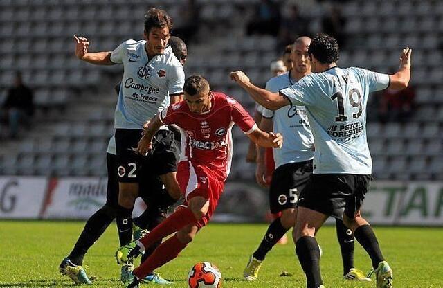 Nicolas Seube sait qu'il n'a pas été brillant à Nîmes, comme tout le reste de l'équipe. Malgré son irrégularité, Malherbe reste dans le coup au classement et jouera son prochain match à Châteauroux le 18 octobre.