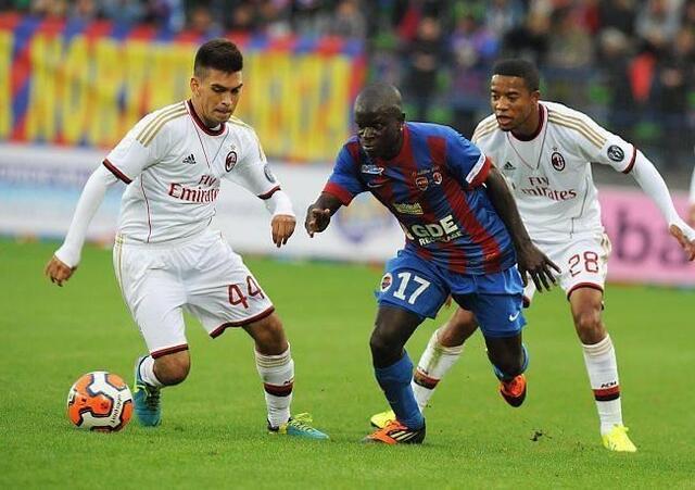 Hyperactif face aux Milanais, Ngolo Kanté a rappelé qu'il était indispensable au milieu de terrain, dans un secteur de jeu où Agouazi n'était pas là.