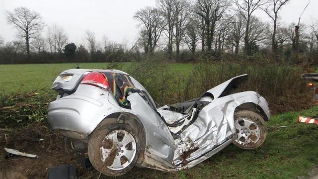accident à plessé : un jeune conducteur dans un état grave. info