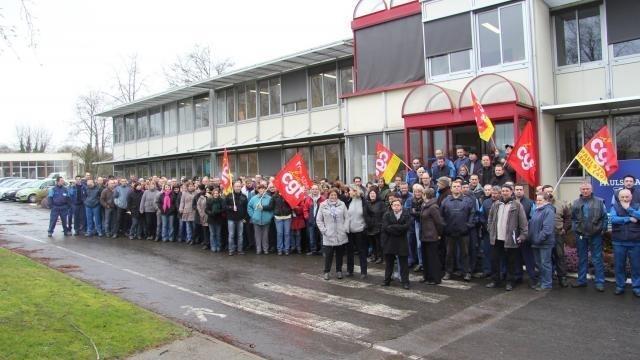 photo la cgt revendique la participation de 400 salariés aux différents mouvements de grève qui se sont succédé sur le site paulstra de segré. © benoît robert