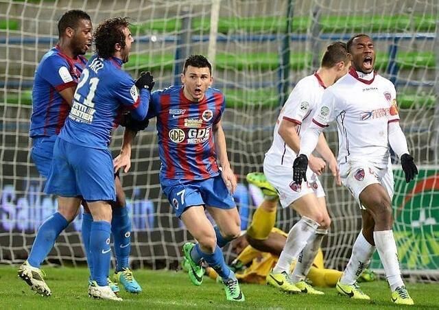 On est dans les arrêts de jeu quand Mathieu Duhamel délivre d'Ornano et offre les trois points de la victoire aux Caennais