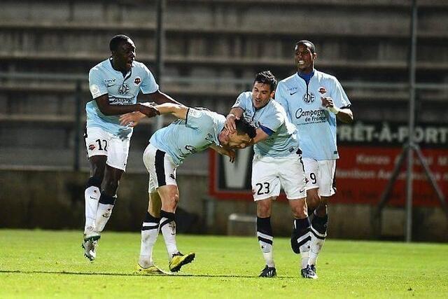 À l'image du buteur Mathieu Duhamel, le SM Caen ne lâche rien. À quatre journées de la fin, et s'il récupère les 3 points de Nîmes, le club caennais pourrait être deuxième de Ligue 2 et compter cinq points d'avance sur Nancy, le quatrième
