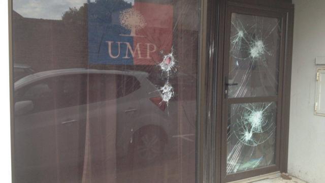 photo le local de l'ump à vanes a été visé par un acte de vandalisme ce jeudi que le parti socialiste