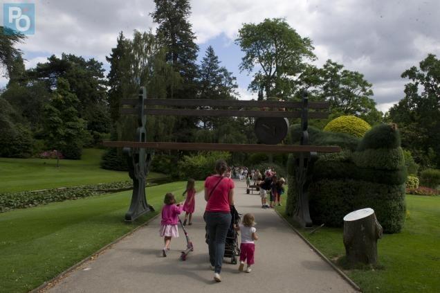 Nantes Le Retour De Claude Ponti Dans Le Jardin Des Plantes