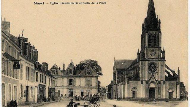 photo la gendarmerie et l'église en 1900.