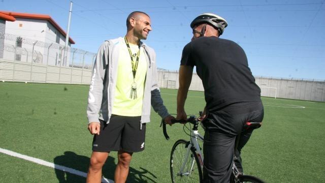 photo yannick buhr et jordan sont prêts pour les 24 heures vélo. © véronique germond