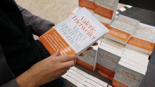 photo le livre de valérie trierweiler a été tiré à 200 000 exemplaires. © photo : afp