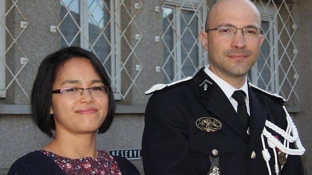 photo le nouveau commandant de gendarmerie, benoît guérin, et son épouse thi chan.