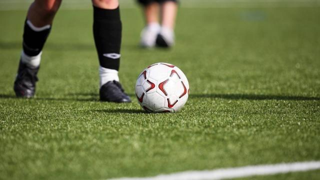 Foot : Trop de cartons : les joueurs font grève en 2e mi-temps - maville.com