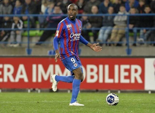 Sloan Privat a fait ses grands débuts en match officiel avec Caen mardi soir.