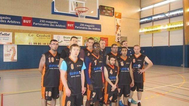 130 joueurs de basket adapté étaient en compétition dimanche - maville.com