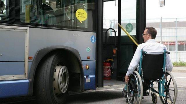 photo jusqu'en janvier, le ccas de saint-malo aidait 296 personnes avec son dispositif d'aide au transport, dont 237 bénéficiaires de l'allocation adulte handicapé et leurs accompagnateurs.