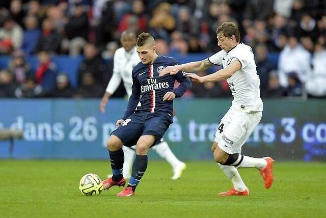 Emiliano Sala, ici face à Verratti, a inscrit son premier but avec Caen à Paris samedi dernier