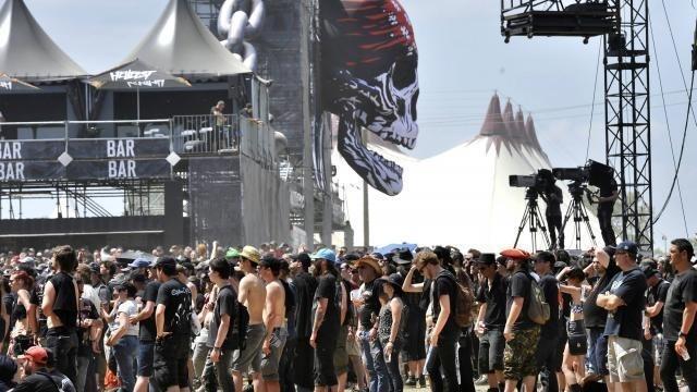 Hellfest 2015 Dans Les Bars Une Carte Puce Remplacera Jetons