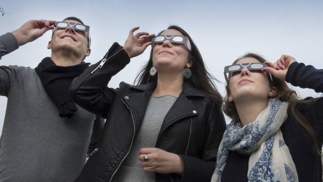 L éclipse aura lieu entre 9 h 45 et 11 h 15 vendredi. © Philippe Renault f5ee21ef1387