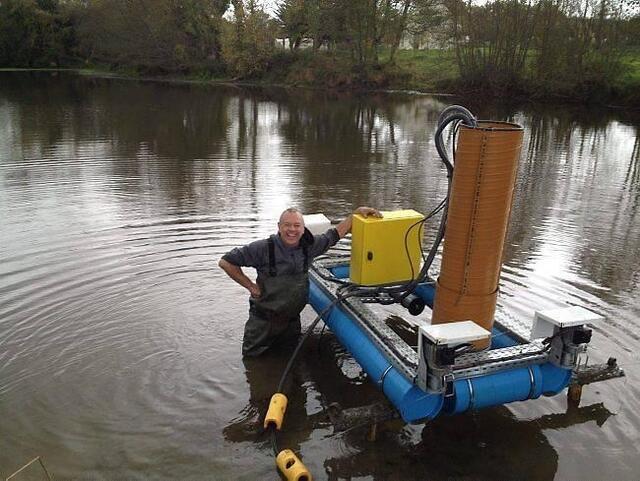 photo philippe pétard, chef d'entreprise de saint-avé, vient de créer un robot dévaseur qui permet de traiter de manière préventive et régulière les sédiments des vases dans les étangs ou les ports. © of