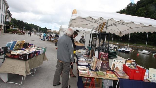 photo c'est le retour des quais du livre, vendredi à saint-goustan. © ouest-france