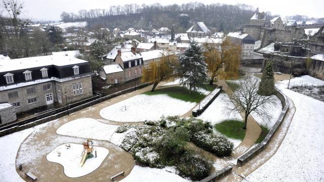 Pays De Fougères Encore De La Neige Lundi Matin Fougères Maville Com