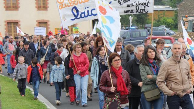photo ils étaient 210 manifestants ce samedi matin à beaupréau. © crédit photo christian meas