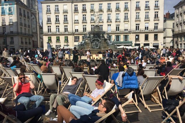 Longues Clients NantesChaises Nantes Du Pour Les Centre Ville 6IYbf7gyv