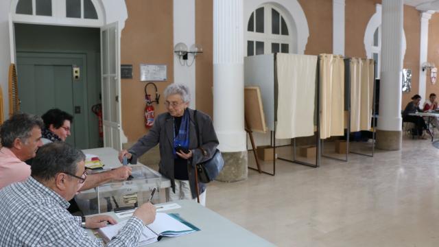 Consultation nddl ça vote à ancenis nantes maville