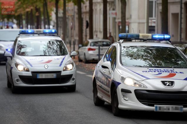 angers. cinq arrestations et des voitures brûlées la nuit de la