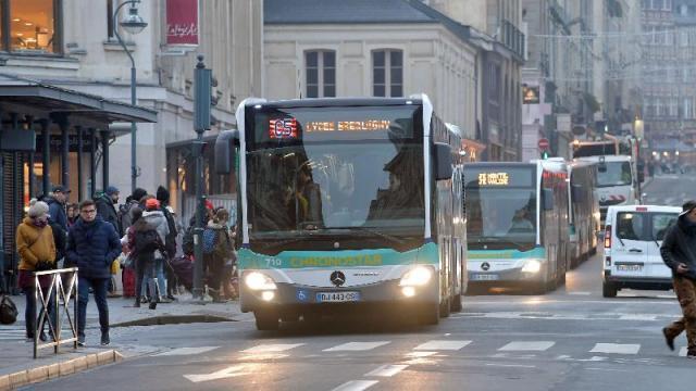 photo les bus et le métro seront gratuits, à partir de mardi 24 janvier, 5 h du matin, à rennes et dans sa métropole, en raison de la pollution de l'air aux particules fines. © photo : joël le gall / ouest-france.