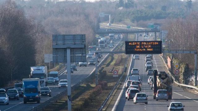 photo la préfecture d'ille-et-vilaine abaisse la vitesse maximale autorisée de 20 km/h jusqu'à mercredi matin sur les voies rapides. © photo : philippe renault / ouest-france.