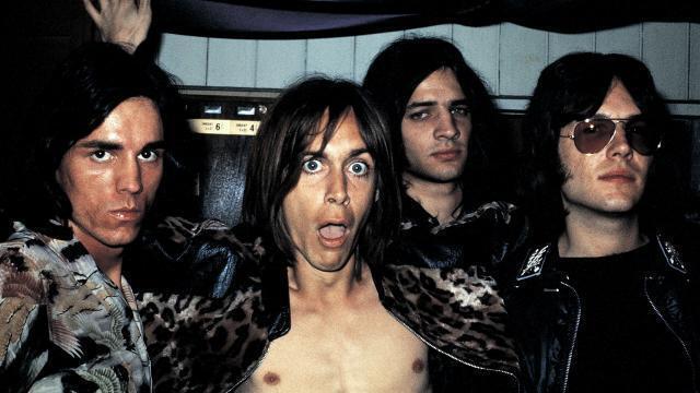 photo the stooges en 1970: , dave alexander, iggy pop, scott asheton, ron asheton. © dr
