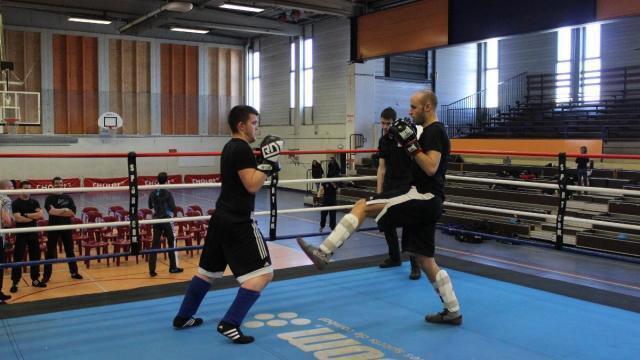 Sport de combat uniquement avec les pieds